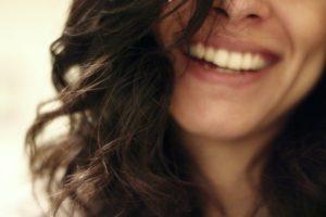 Usuwanie oleju z włosów
